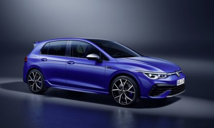 THE NEW GOLF R GETS OFF TO A FLYING START: WORLD PREMIERE OF THE MOST POWERFUL SERIES- PRODUCTION GOLF YET