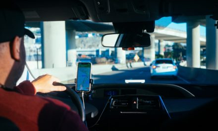 Vehicle tracking – Plug 'n Play vs Installed Devices