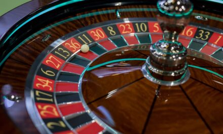 3 Points That Will Prove How Online Casino Is Better Than Offline Casinos