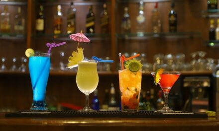 Best Drinks to Order in a Casino while Gambling