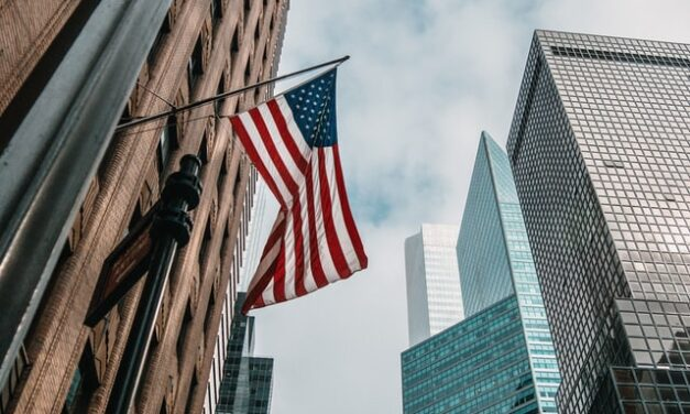 How to Easily Inform Yourself About Living and Working in the US