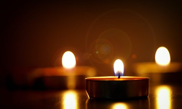 6 Tips to Surviving a Power Outage During Winter