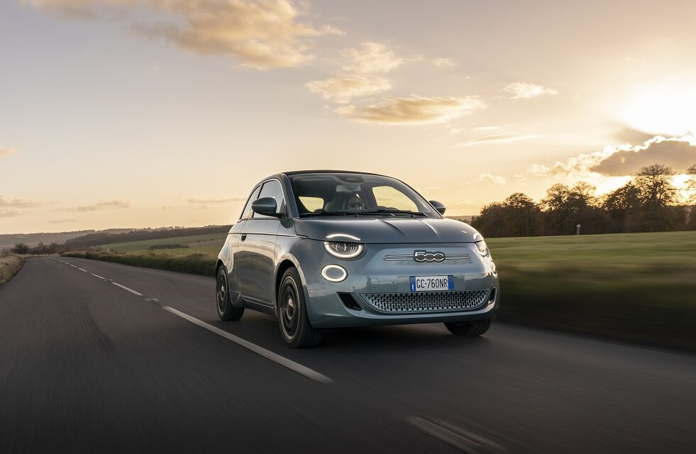 New all-electric Fiat 500 named DrivingElectric's Car of the Year