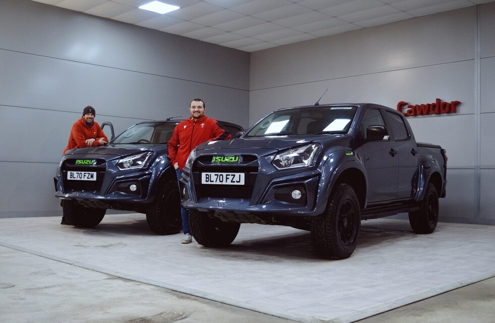 Isuzu D-Max XTR Colour Edition dazzles Welsh rugby stars