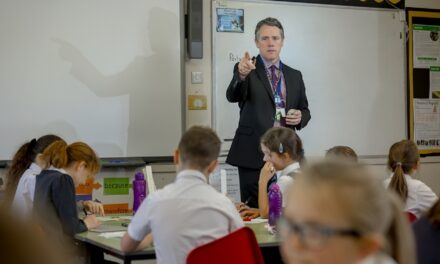 Trainee teachers throw a lifeline to parents juggling work with isolating children