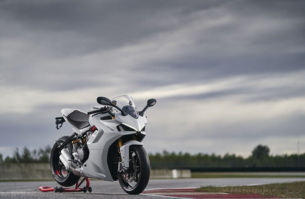 Production of the new SuperSport 950 gets underway in Borgo Panigale