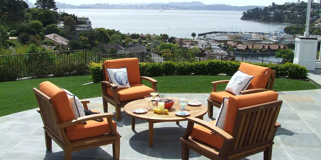 5 Mistakes to Avoid When Buying Outdoor Furniture for the First Time