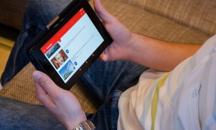 Why must every e-commerce platform use YouTube videos and YouTube vanced for growth?