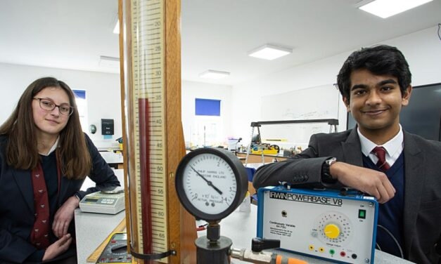 YARM SCHOOL STUDENTS EXCEL IN PHYSICS COMPETITION