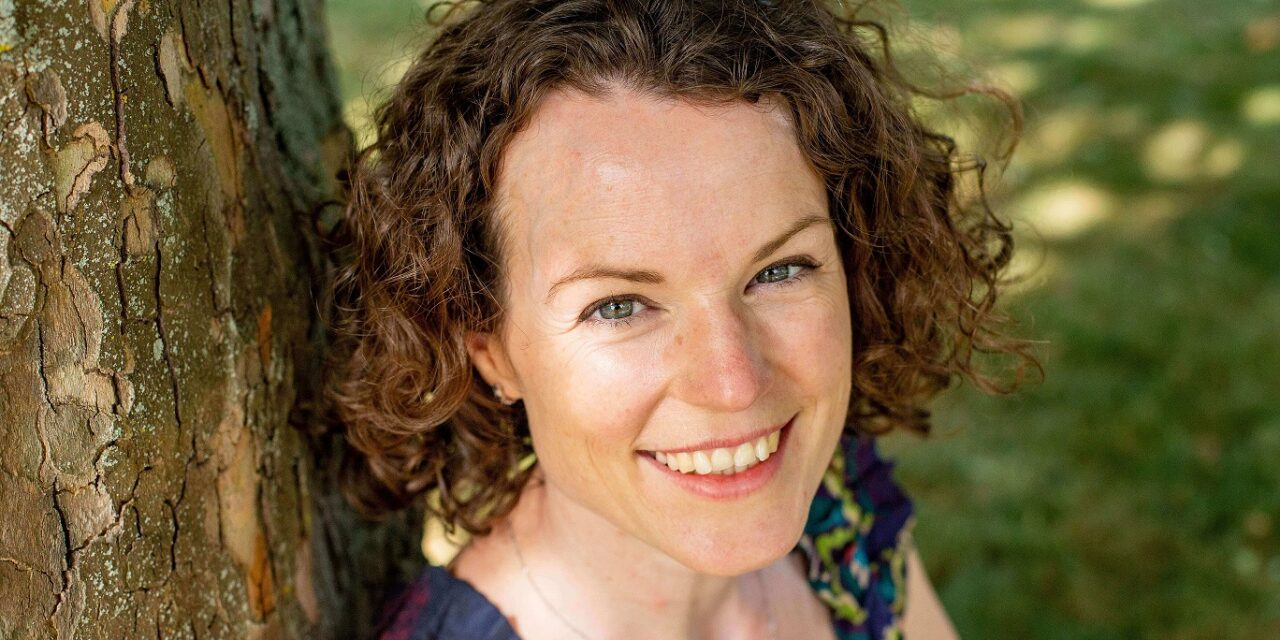 Vicki Renz publishes much-needed journal to support mothers suffering miscarriage.