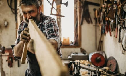 UK tradespeople losing over £1,000 a year from withheld payments
