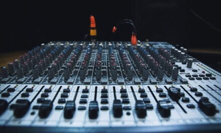 4 Reasons Why Mac Is Perfect for Sound Engineering