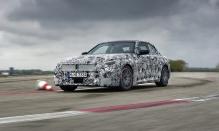 On the final straight to unique driving dynamics: The new BMW 2 Series Coupé