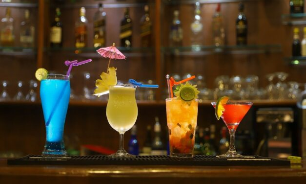Cost Guide for Hiring a Bartender For Your Special Event