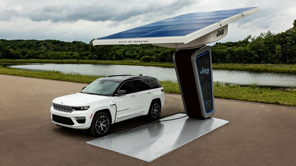 Jeep® Reveals First Images of All-new 2022 Electrified Jeep Grand Cherokee 4xe