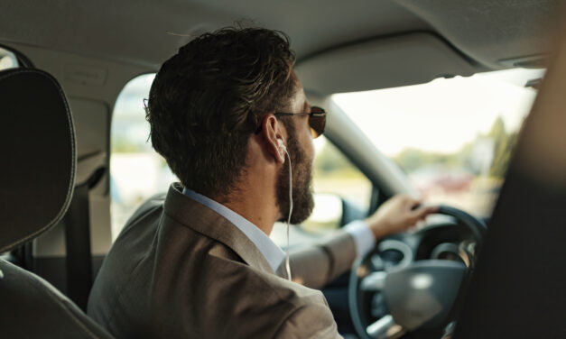 Driving with headphones still legal despite distractions causing 15% of all accidents