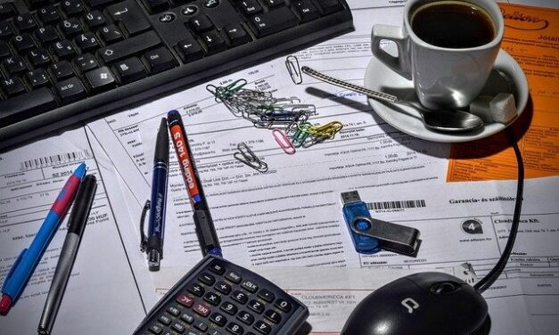 HOW SMALL BUSINESSES CAN GET PAID QUICKER WITH THESE SIMPLE AND EASY INVOICING TIPS