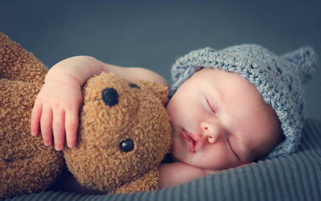 9 Top Tips To Help Your Baby Sleep: A Guide
