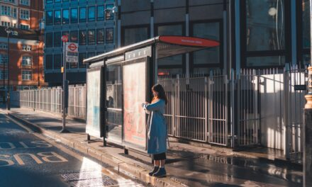 Pros and cons of utilising bus stop advertising