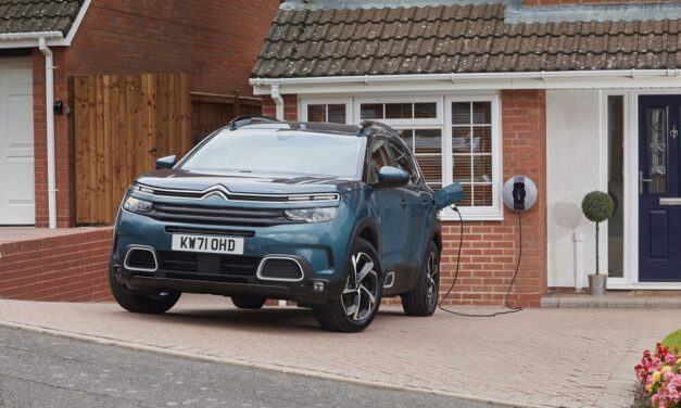 Citroën C5 Aircross SUV Hybrid receives over the air updates to remind owners to Plug-In regularly