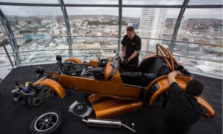 Caterham Cars completes sky-high build of new Seven 170 nearly 500 feet in the air inside British Airways i360 pod