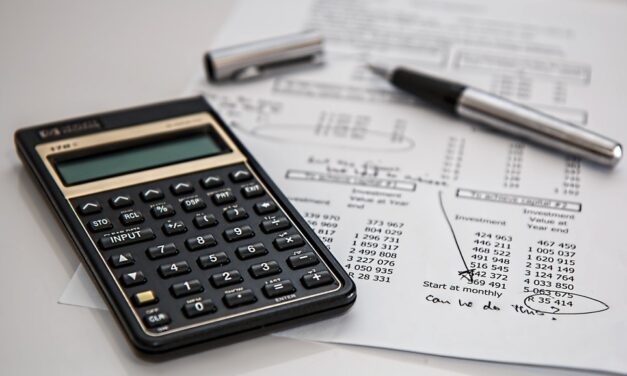 Top 4 benefits of studying financial modelling course